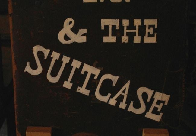 Steve-debs-TJ-Suicase